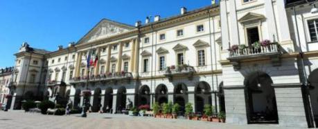 Bando servizi sociali a favore degli anziani: le precisazioni del Comune di Aosta