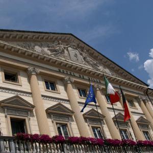 Precisazione dell'Amministrazione comunale in merito alla 4/a esposizione di antiquariato di via Martinet/piazza Roncas